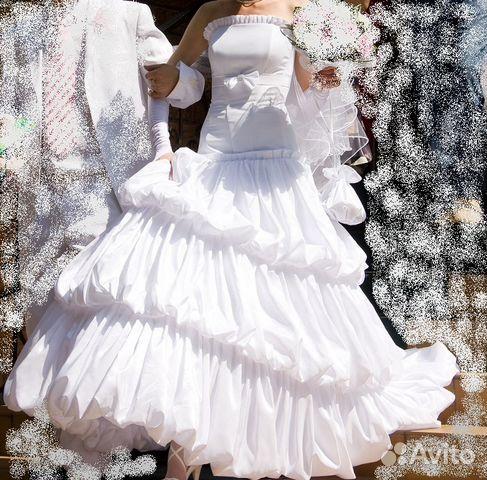 Счастливое белое свадебное