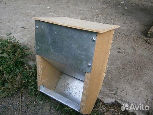 Кормушки бункерные для кроликов и птицы - купить, продать ...: http://www.avito.ru/omsk/tovary_dlya_zhivotnyh/kormushki_bunkernye_dlya_krolikov_i_ptitsy_204485946