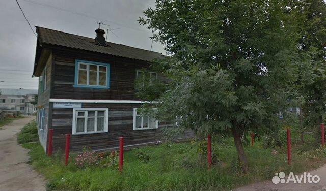 Продается трехкомнатная квартира за 600 000 рублей. Киров, улица Красной Звезды, 6.