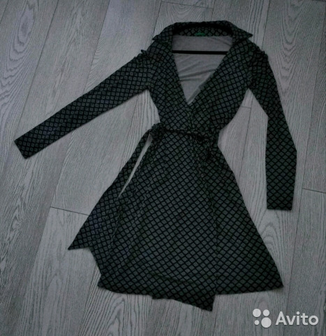 9f99554c8ea Платье United colors of Bennetton с запахом купить в Москве на Avito ...