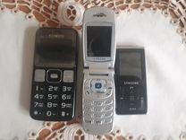 Старые телефоны и плеер